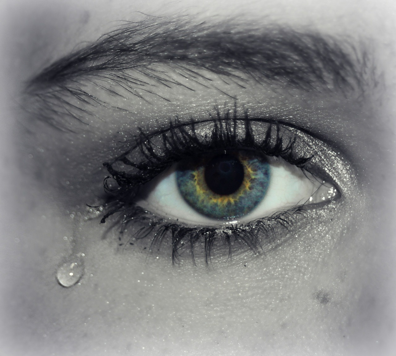 悩み、苦しみ、涙。酒さの辛さ。